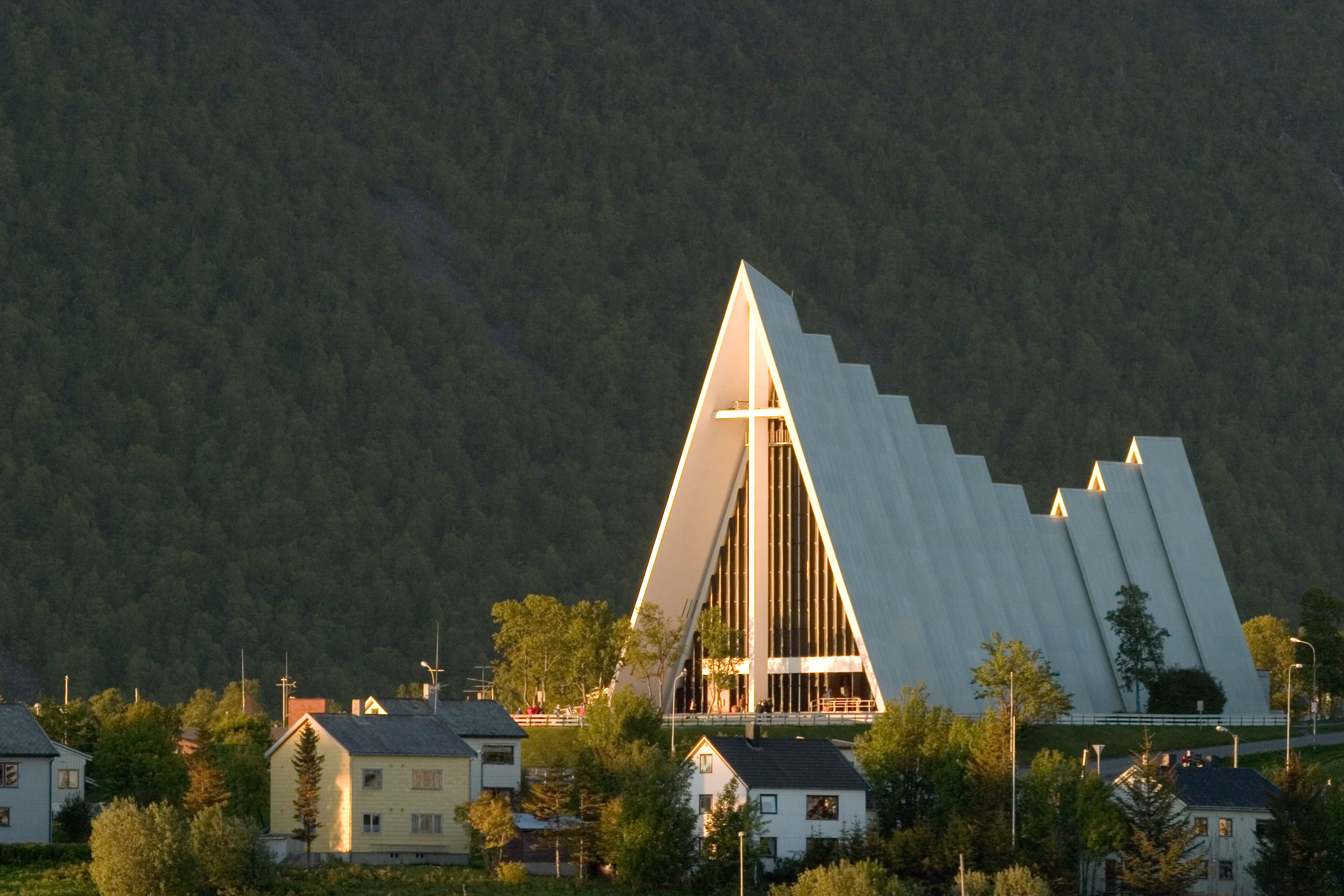 Arctic_Cathedral_in_Tromsoe