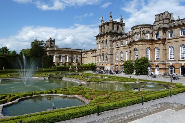 blenheim-palace-867689_640