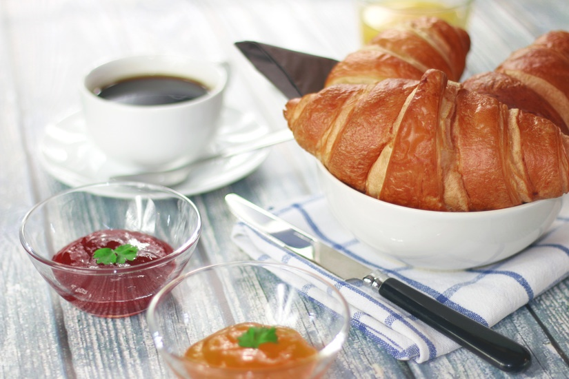coffee-morning-breakfast-croissant-large