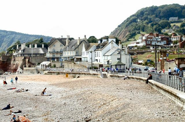 Sidmouth_Seafront_-_geograph.org.uk_-_3592.jpg