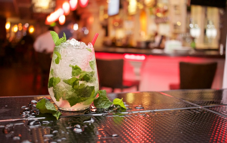 alcohol-bar-party-cocktail-large.jpg